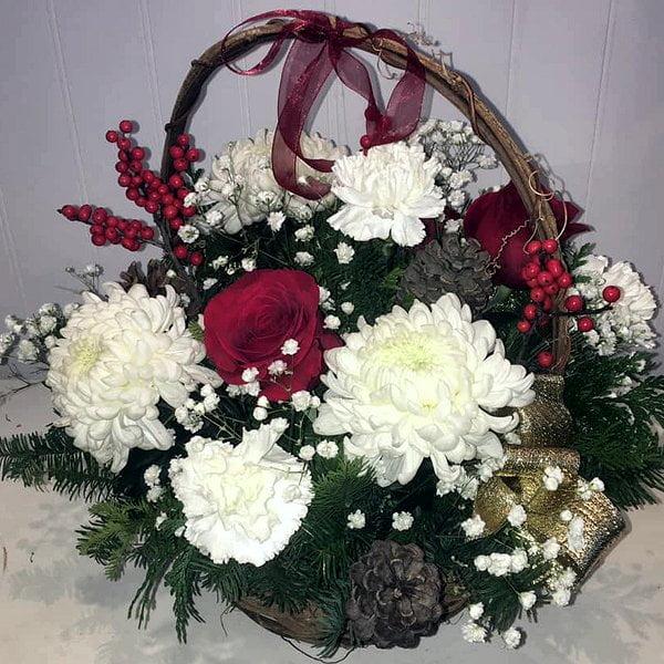 christmas-floral-basket